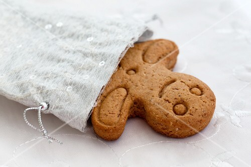 A gingerbread man as a gift