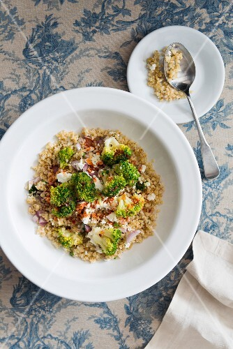 Bulgur salad with broccoli