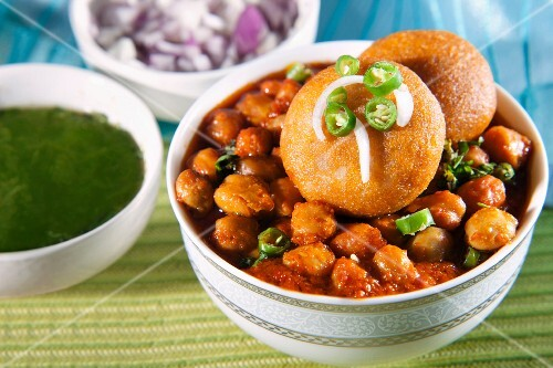 Chole bhatzra and aloo tikki (spicy chickpeas, and potato cakes, India)