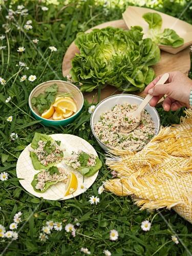 Lettuce wraps for a picnic