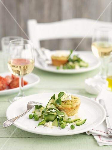 Courgette muffins with vegetable salad