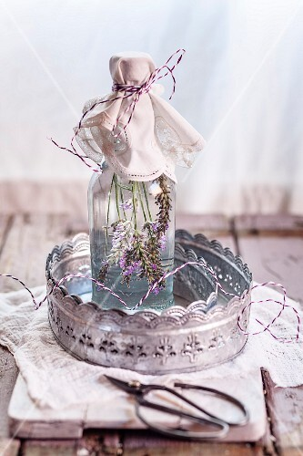 Lavender vinegar (lavender flowers with white wine vinegar)