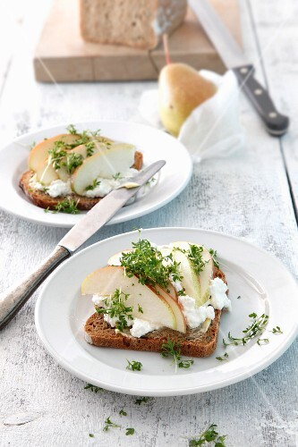 Pear bread with cream cheese and cress