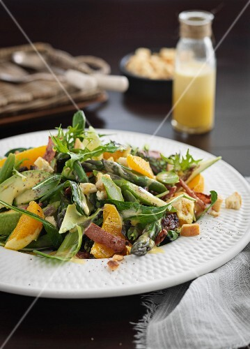 Avocado salad with oranges