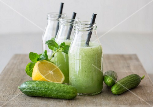 Cold cucumber soup with lemon and mint