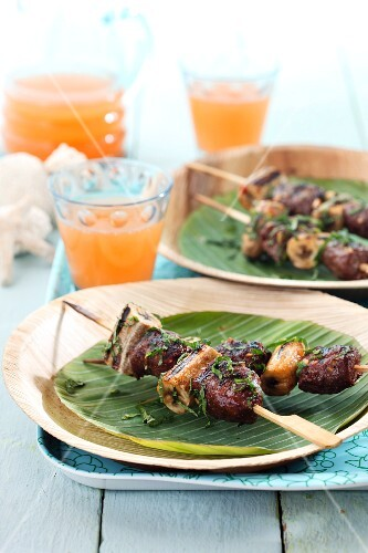 Beef skewers with plantains