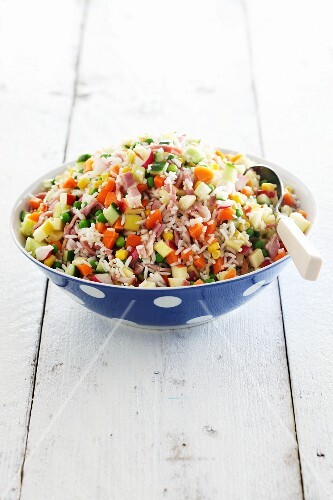 Rice salad with vegetables and ham