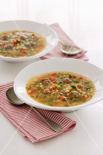 Vegetable soup with meatballs