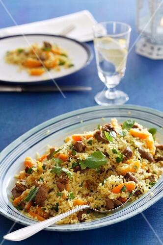 Reisgericht mit Lamm und Aprikosen aus Marokko