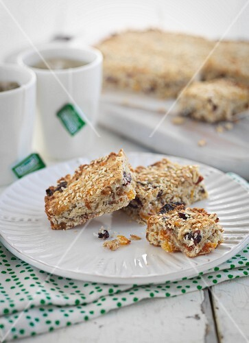 Muesli bars with dried fruit and coconut