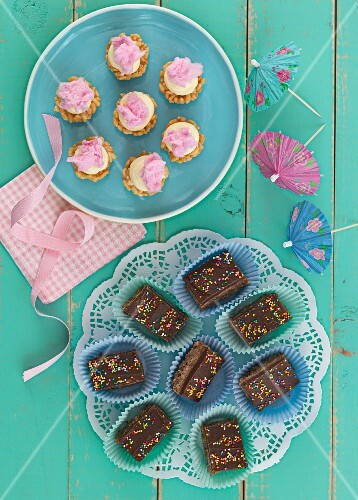 Crispy cakes and cupcakes