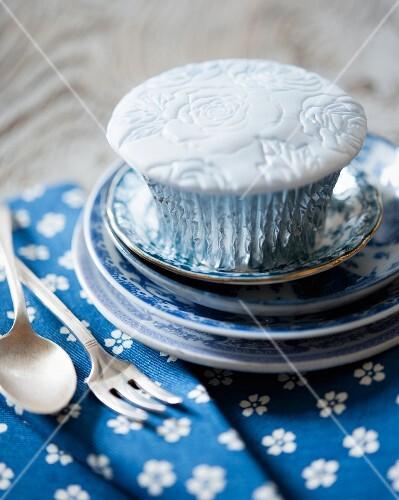 A vintage rose cupcake