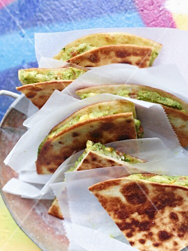 Tortillas with guacamole to takeaway
