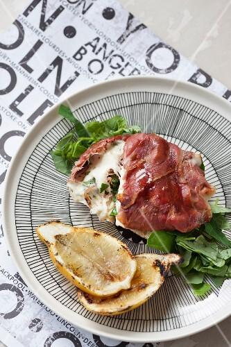 Grilled sandwich with Serrano ham and mozzarella