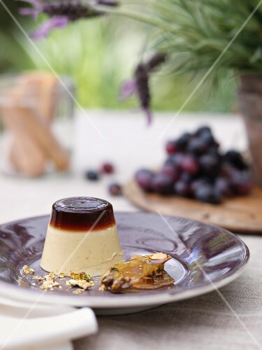 Panna cotta with brittle