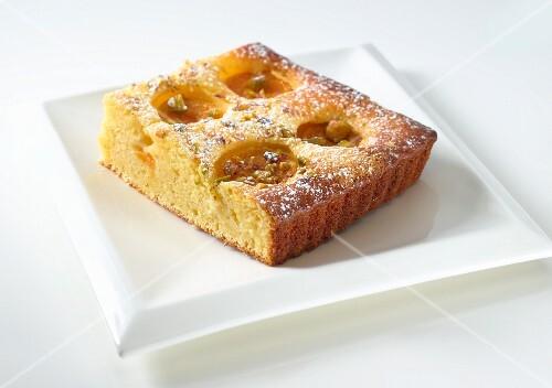 Semolina cake with apricots