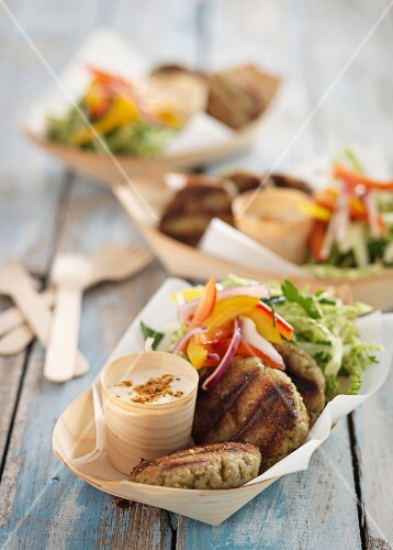Grilled falafel with salad and yoghurt