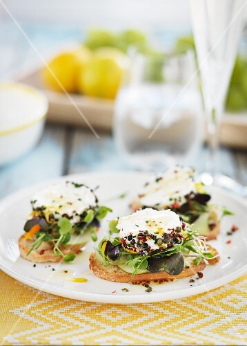 Crostini with goat's cheese