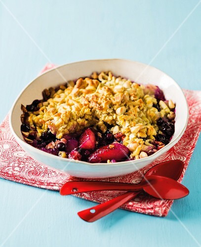 Strawberry and blueberry crumble