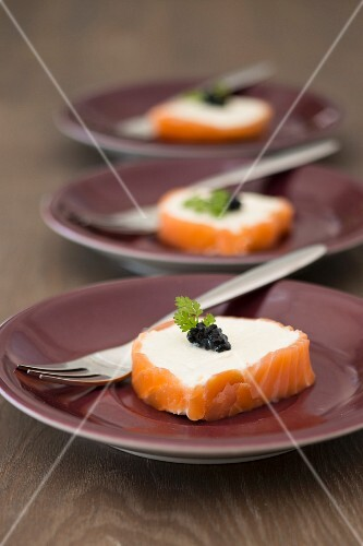Asparagus mousse with smoked salmon
