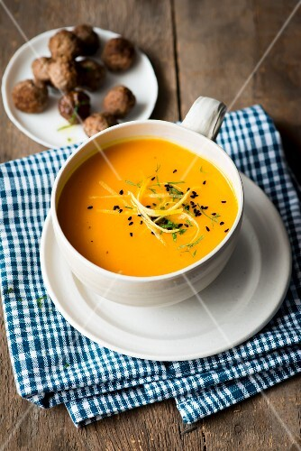 Pumpkin soup with black caraway