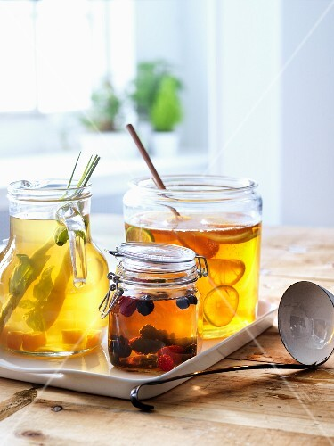 Iced tea with various ingredients