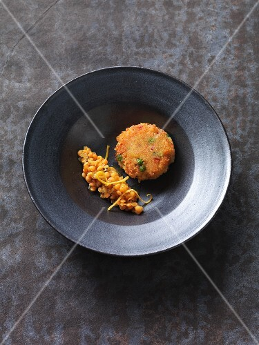 Vegan vegetable cakes with red lentils