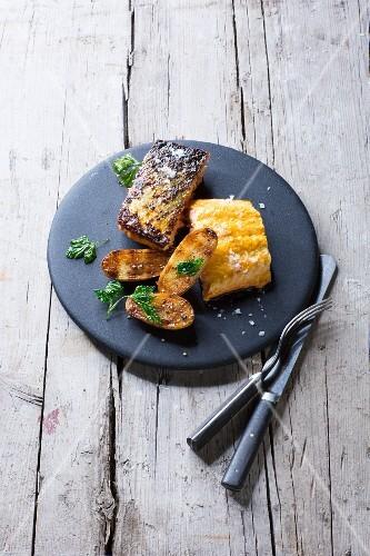 Tandoori salmon with grilled potatoes