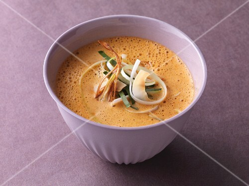 Sweet-and-spicy curry cream soup with coconut milk