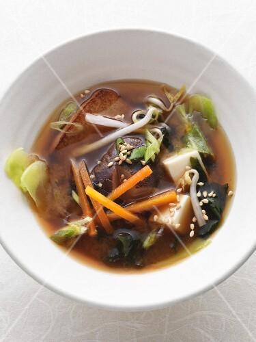 Vegan kombu broth with chiitake mushrooms, pointed cabbage and silken tofu