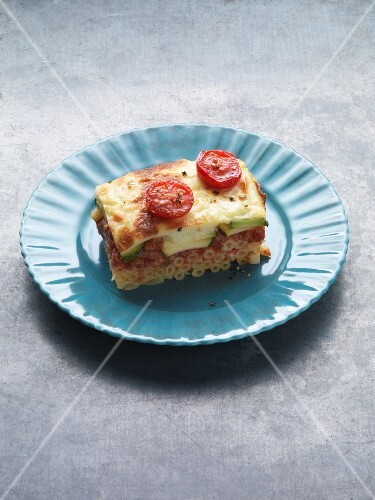 Vegetarian pastitsio with spelt, courgettes and fresh mountain cheese