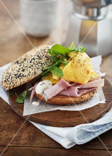 Ham and scrambled egg bagel