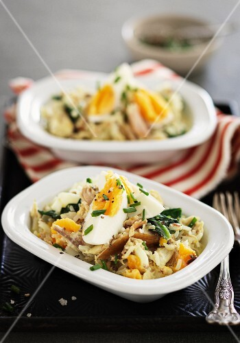 Kedgeree (fried rice with fish)