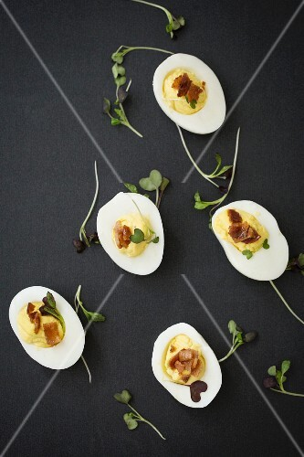 Devilled eggs with bacon