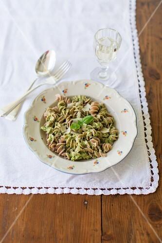 Fusilli pasta with broccoli pesto and basil