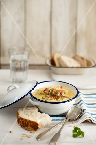 Leek and potato soup with bacon and bread