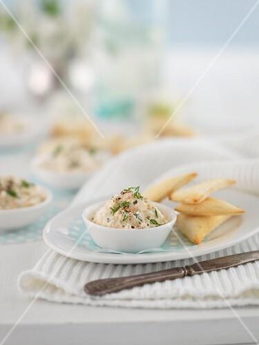 Prawn pâté with crispy bread triangles