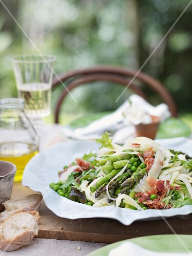 Vegetable salad with Parma ham and Parmesan cheese