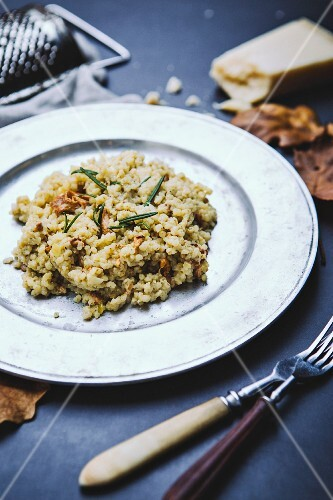 Risotto with mushrooms, goat's cheese and rosemary