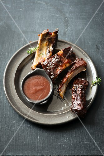 Spare ribs in plum sauce