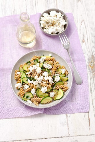 Wholemeal pasta with courgette and feta cheese