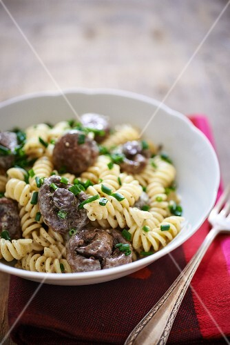 Fusilli with mushrooms and chives