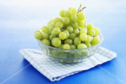 Fresh grapes in a glass bowl