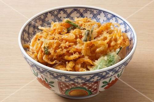 Fried sakura prawns on rice (Japan)