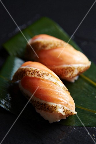 Nigiri suchi with flash-fried salmon