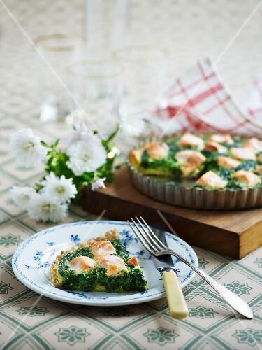 Spinach quiche with salmon
