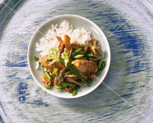 Sweet-and-sour oyster mushrooms on rice with Chinese chives