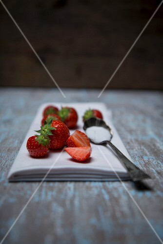 Strawberries and a spoon of sugar