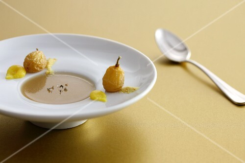 Geese soup with grapes