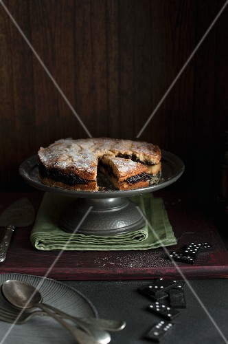 Shortbread with plums (Breton, France)